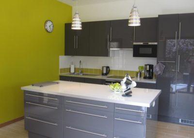 131016074215_kitchen_and_island