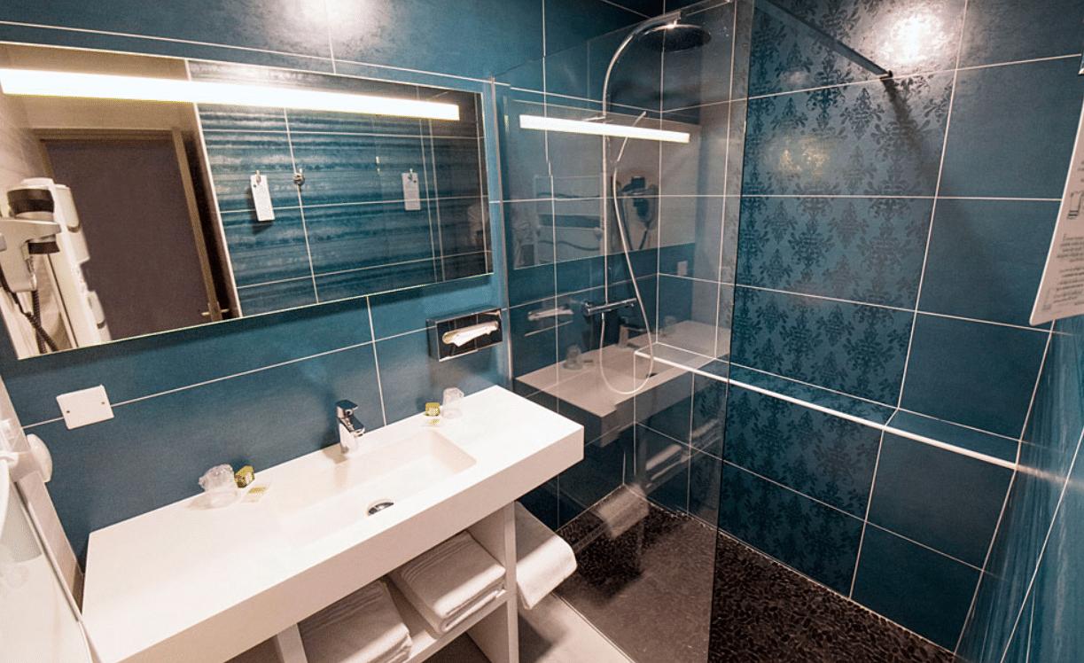 Laborderie restaurant sarlat salle de bain